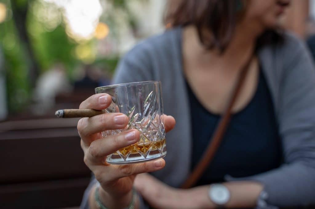 Consommation d'alcool et de tabac : cancer du sein
