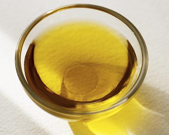 Huile d'olive pour entretenir les seins pendant la ménopause