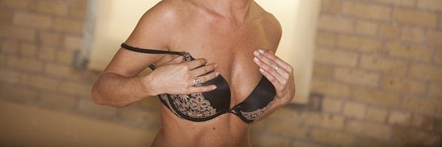 Soutenir les seins pour la ménopause