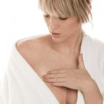 Masser sa poitrine pour grossir des seins